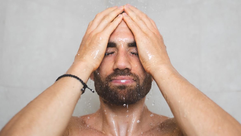 Kariem Hussein mit Wasser